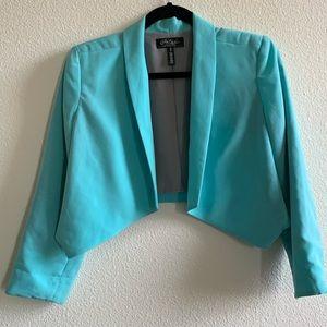 🌻4 for $20 Tiffany Blue crop Blazer!!